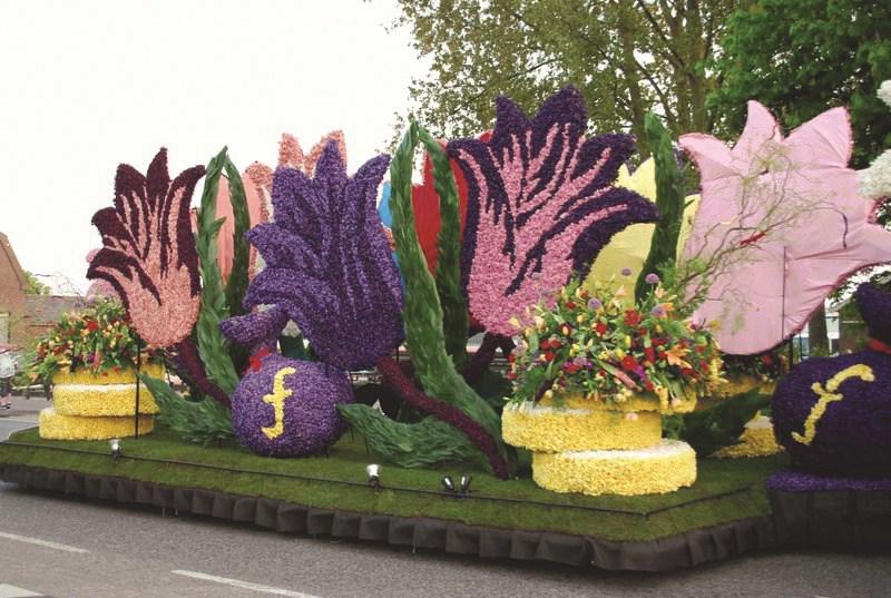 Holandsko - s květinovým korzem -