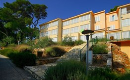 Adriatiq Resort Fontana Apartments**/**** -